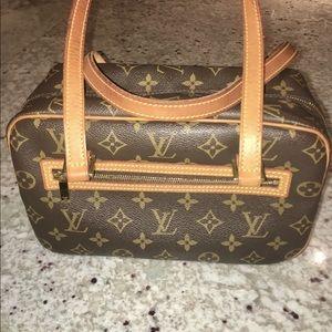 Louis Vuitton Monogram Cite MM 💛